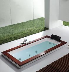 加长型浴缸