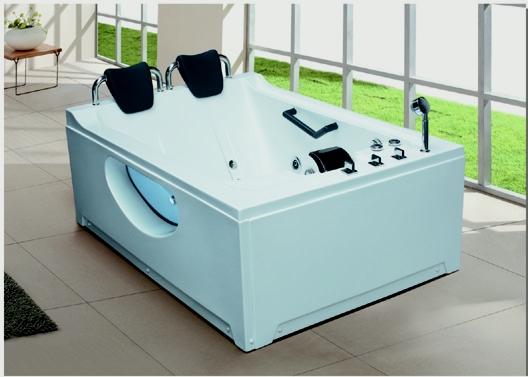 长方形浴缸